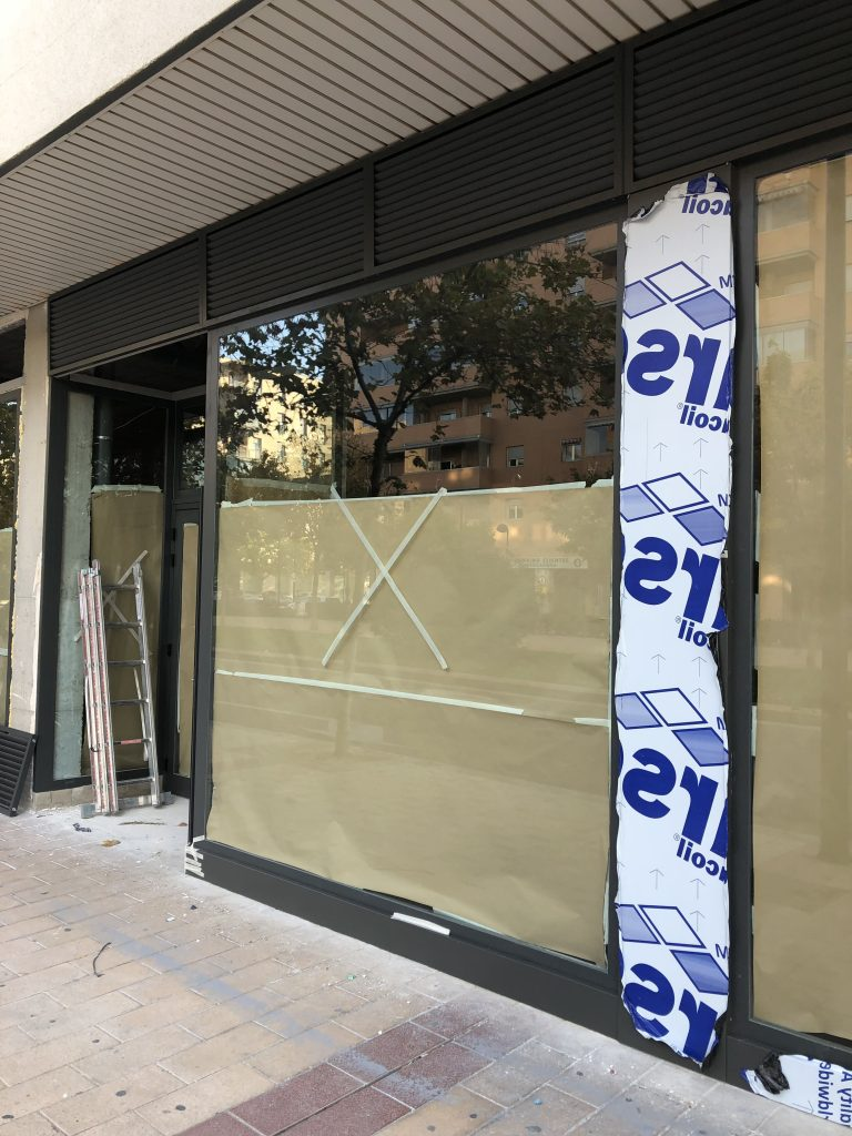 Acondicionamiento fachada local comercial Zaragoza Ámbito d&d