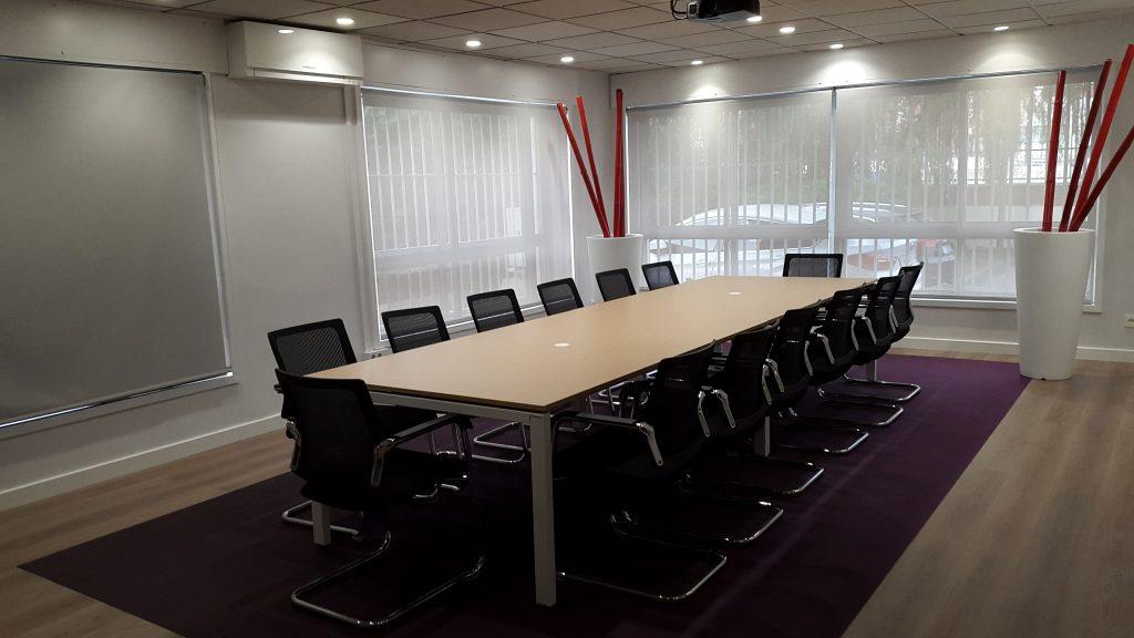 Interiorísmo sala juntas serunion Zaragoza Ámbito d&d